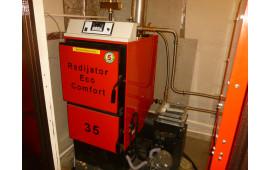 Котел на пеллетах Radijator EcoComfort 35 в загородном доме